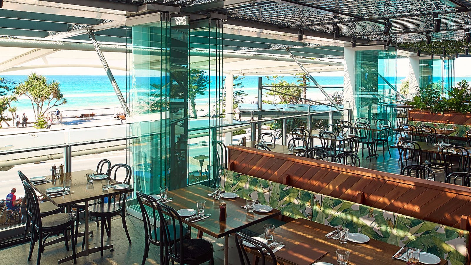 Hurricanes Grill Surfers Paradise Restaurant and view