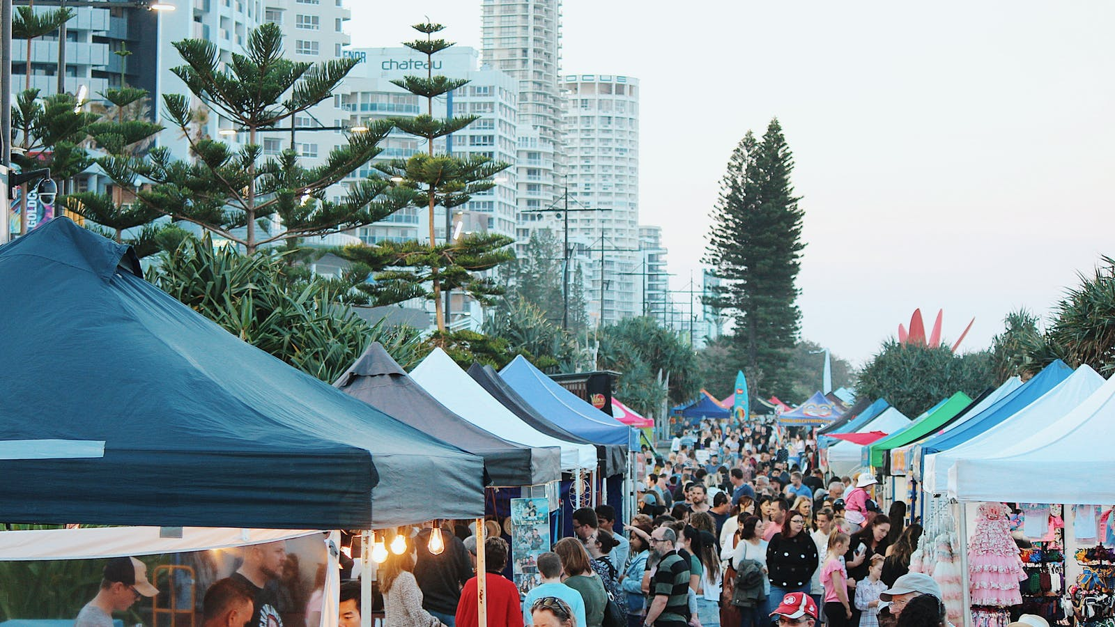Surfers Markets