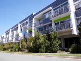 Destination gold coast southport apartments for Griffith university gold coast swimming pool