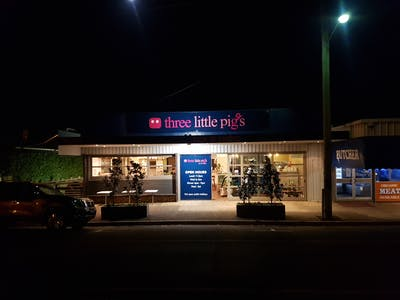 Three Little Pigs - Bar and Bistro