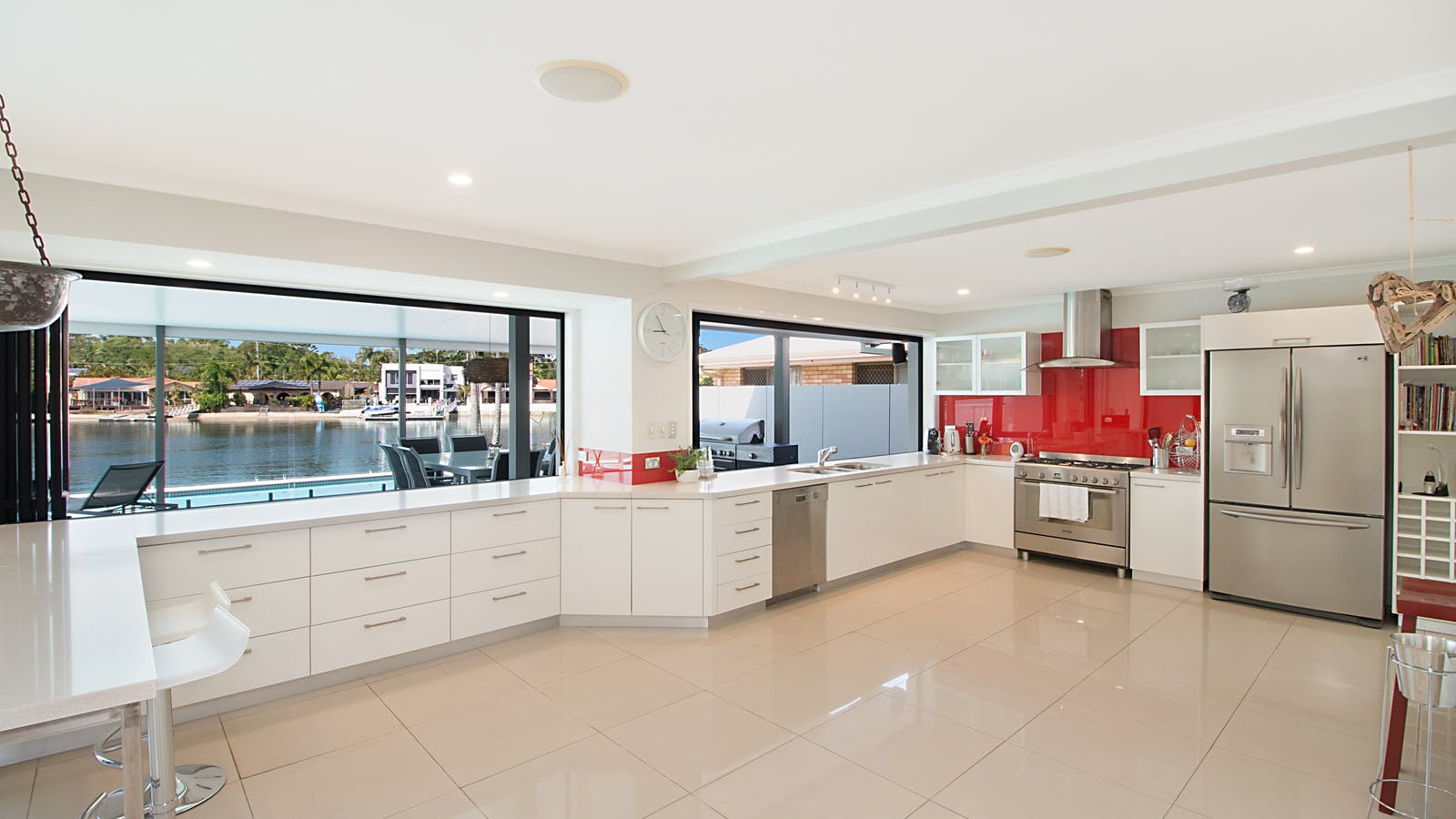 Huge, spacious kitchen with views over the water