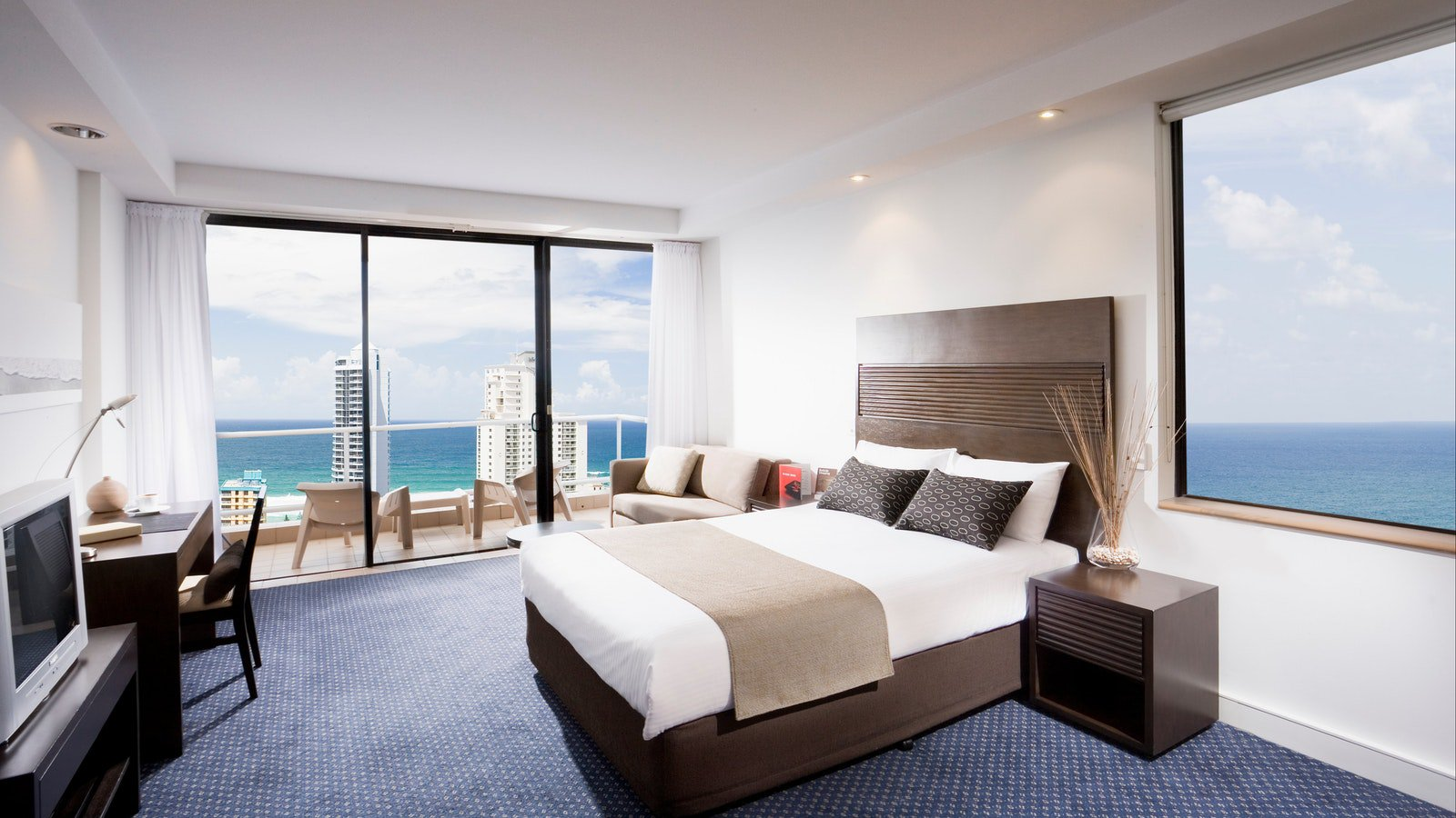 Executive King Ocean View Room at Crowne Plaza Surfers Paradise