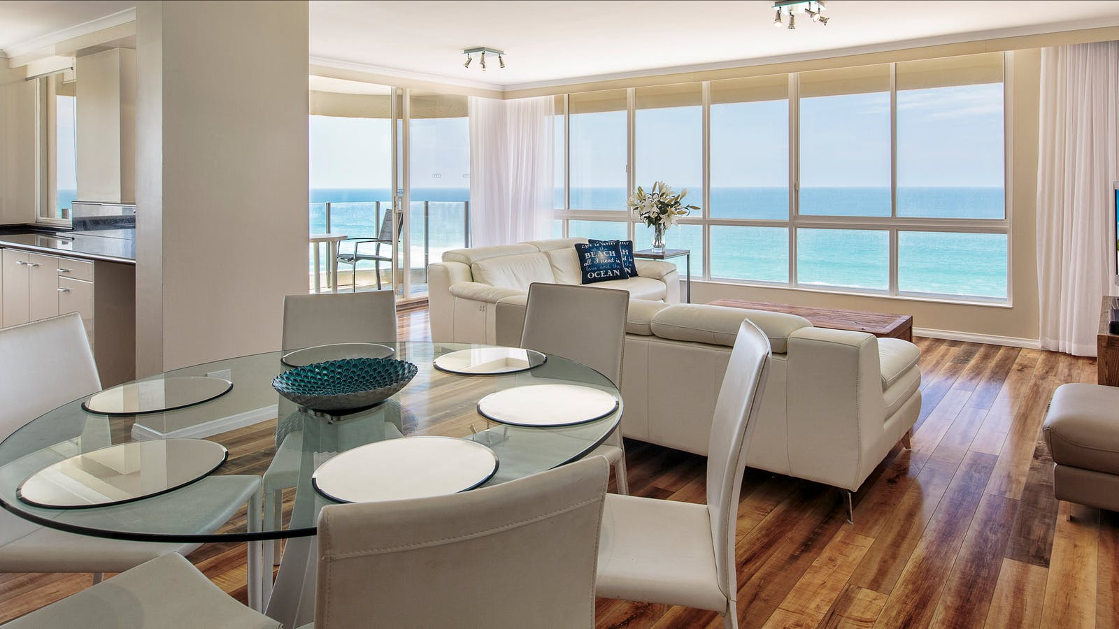 3 bedroom ocean view, beachfront apartment, Surfers Paradise, Gold Coast, Queensland, family holiday