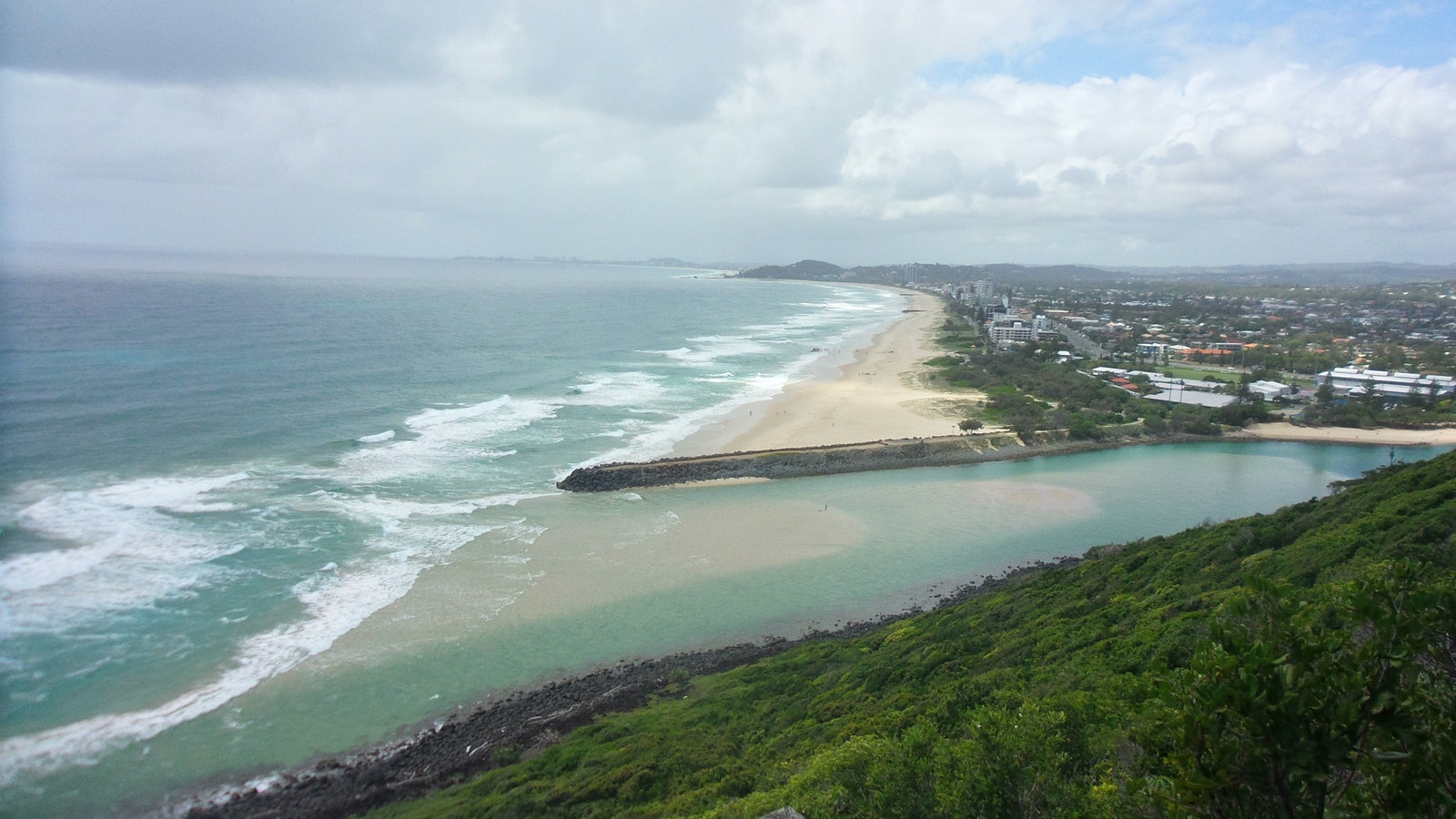 View over Tallebudgera Creek from Tumgun lookout, Rainforest Circuit, Burleigh Head