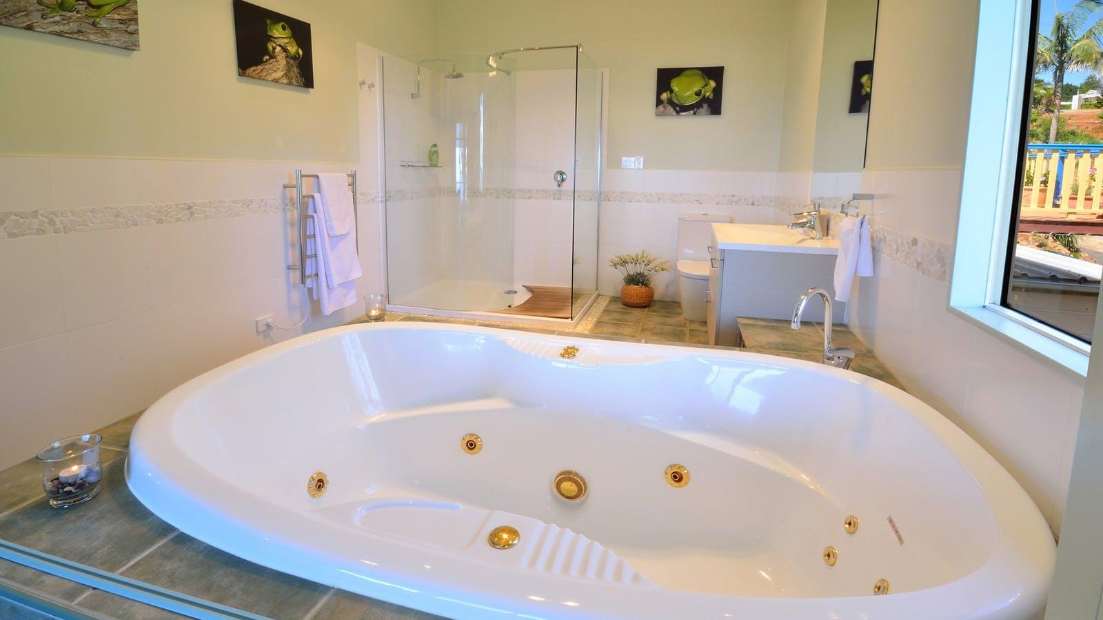 Daintree bathroom with double spa bath