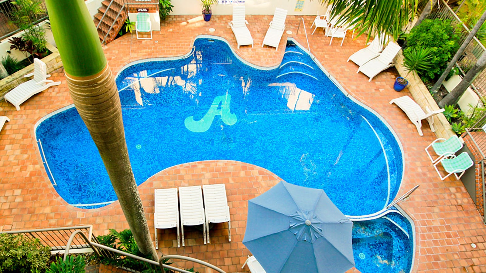 Aussie Resorts Australia Shaped Pool