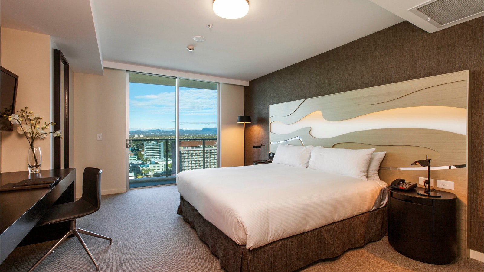 Hilton Surfers Paradise - King Guest Room