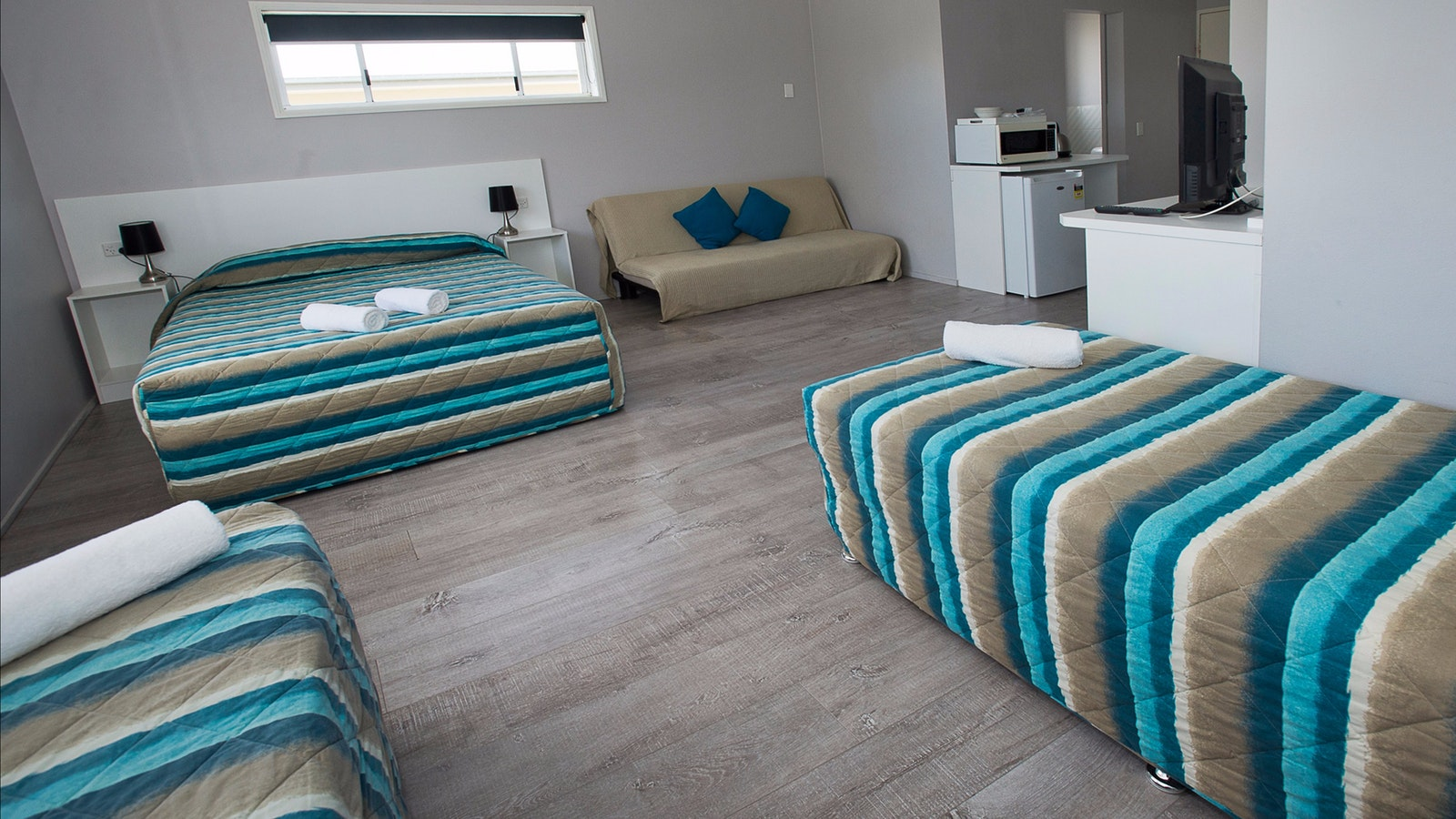 Bureligh miami family big clean affordable location beach