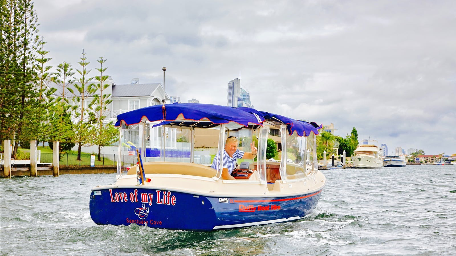 Duffy Boats Gold Coast Limo on the Water