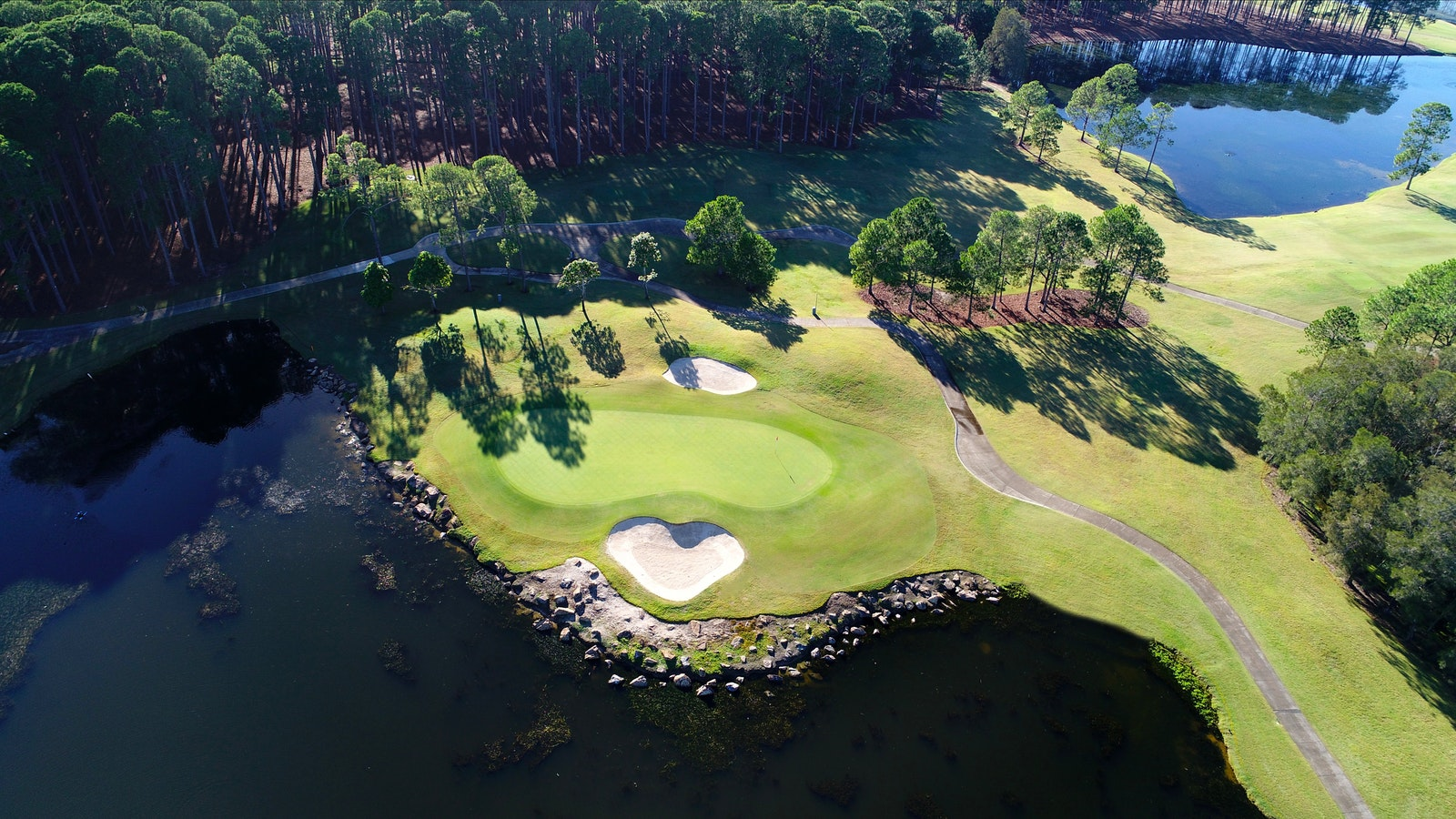 The Pines golf course, hole 7